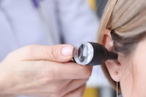 Conozca algunos tratamientos para sordera y rehabilitación auditiva