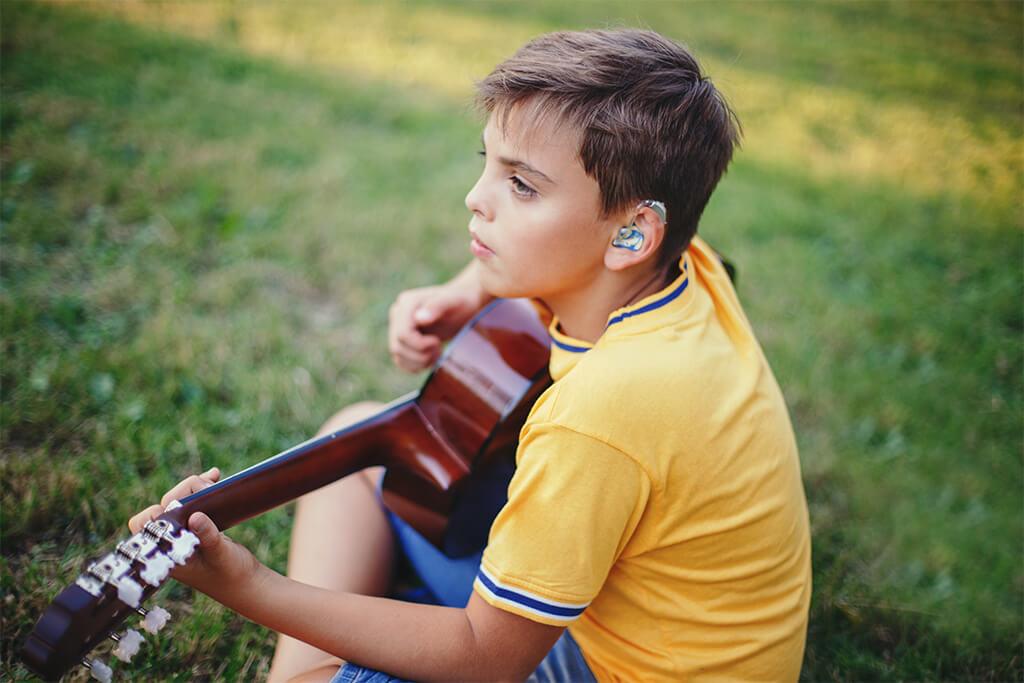 Audífonos Phonak para niños - qué soluciones y ventajas ofrecen